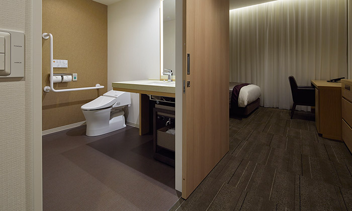 mitsui_garden_hotel_osaka_premier_accessible_room2