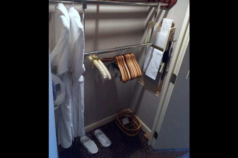 westin_tokyo_accessible_room-measurements_10