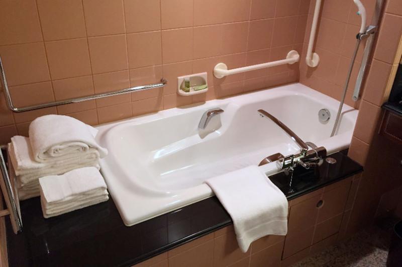 westin_tokyo_accessible_room-measurements_14