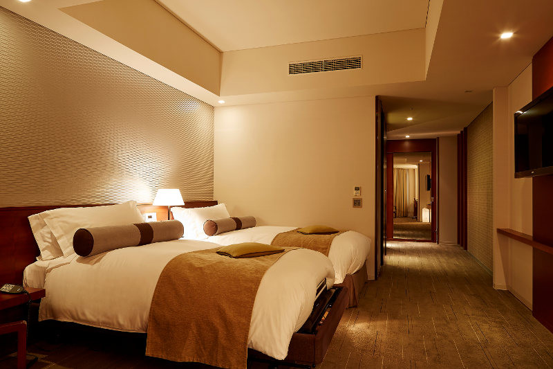 strings_by_intercontinental_tokyo_-_accessible_room_1