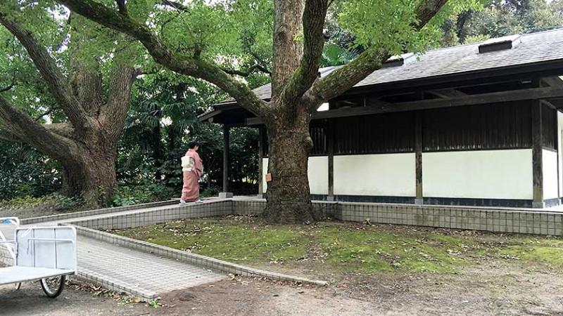 hama-rikyu-gardens-accessible-toilet