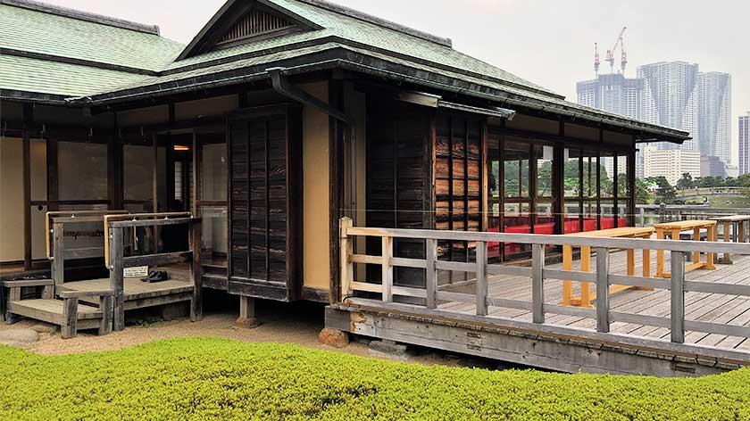 Hama Rikyu Gardens - Tea House