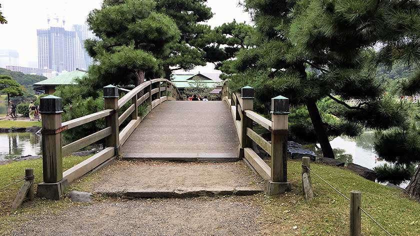 Hama Rikyu Gardens - Bridge to Tea House