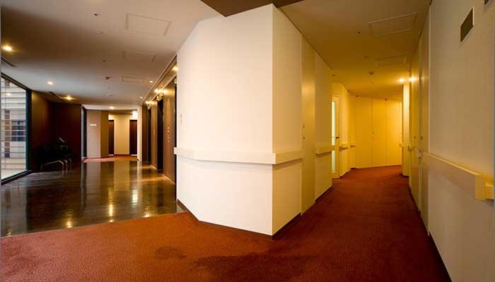 park_hotel_tokyo_-_accessible_room_hall