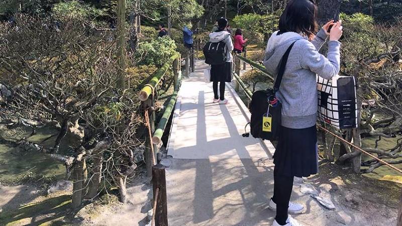 ginkakuji_-_path-bridge