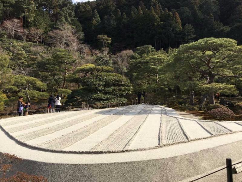 ginkakuji_sand_garden_3