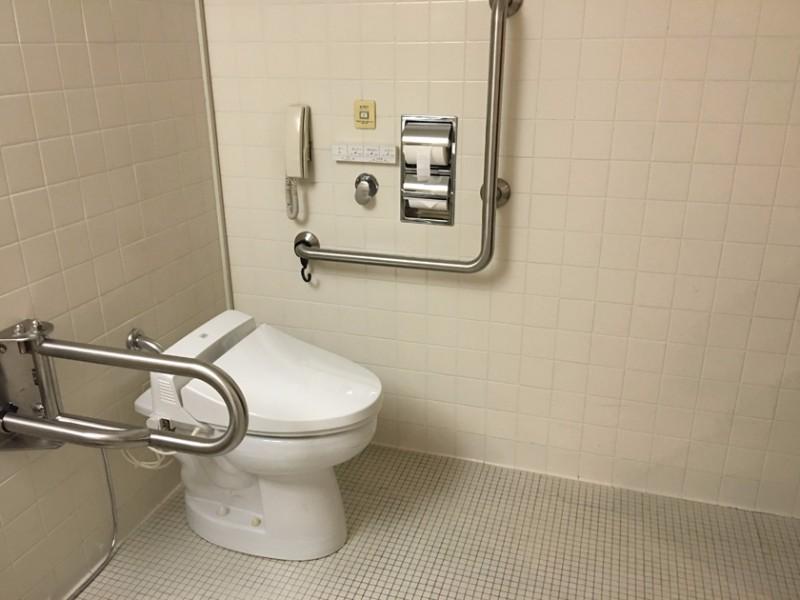 the_westin_miyako_kyoto_-_accessible_room_bathroom1