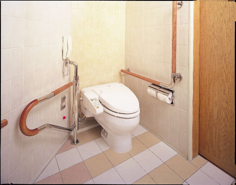 hotel_granvia_kyoto_accessible_room_toilet