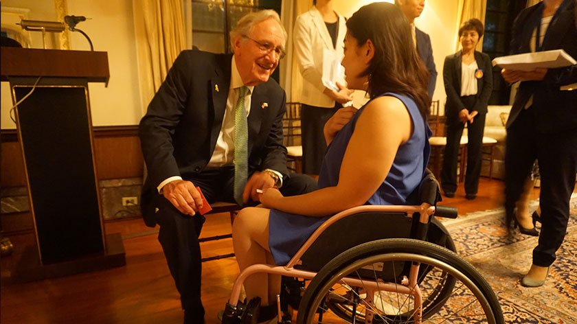 ADA Pioneer Senator Tomas Harkin visits U.S. Embassy in Tokyo