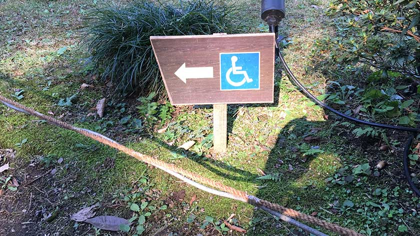 Rikugien - Wheelchair Path Marker