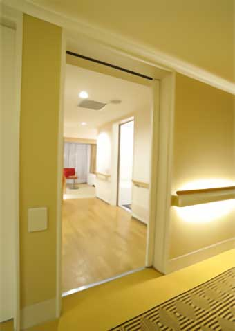 hotel-the-lutheran_accessible-room_3