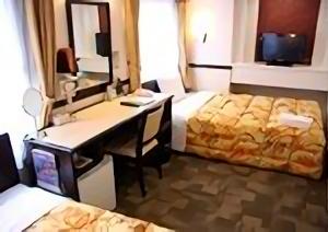 toyoko_inn_-_b_type_accessible_room_3_sample_bed
