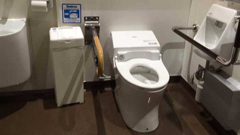 tokyo-tower_toilet