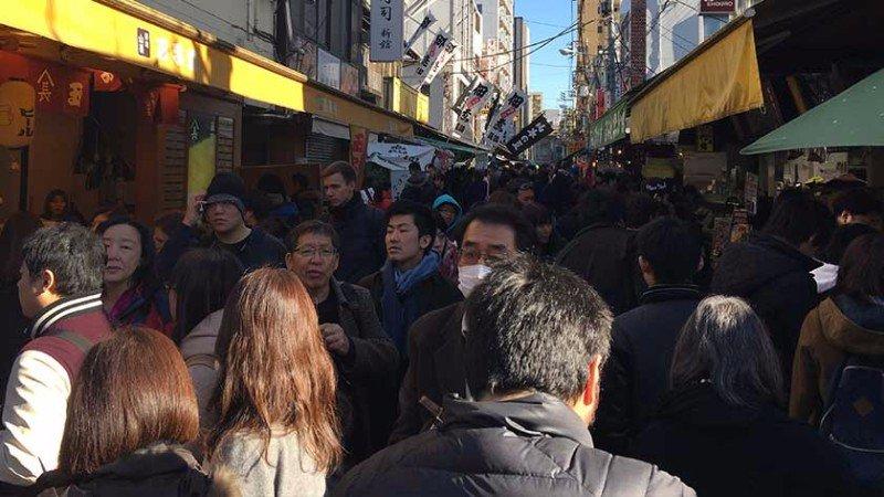 tsukiji-outer-market-mainstreet