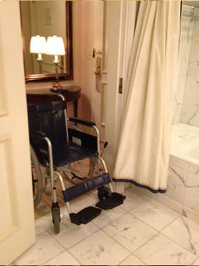 ritz-carlton-osaka-accessible-room-entrance2