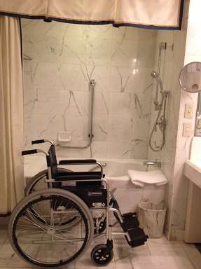 ritz-carlton-osaka-accessible-shower