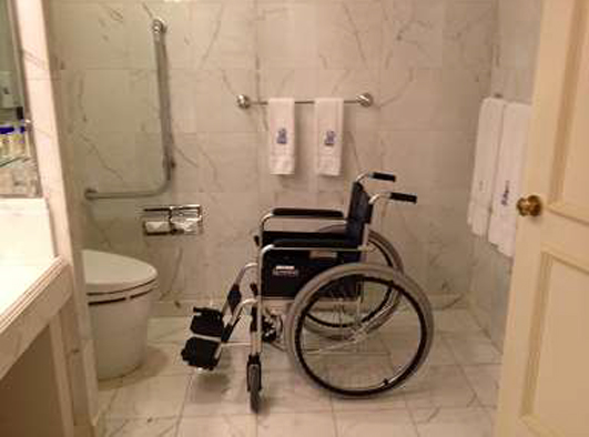 ritz-carlton-osaka-accessible-toilet2