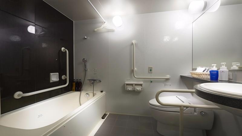 hotel-sunroute-plaza-shinjuku-accessilble-room-bathroom-1