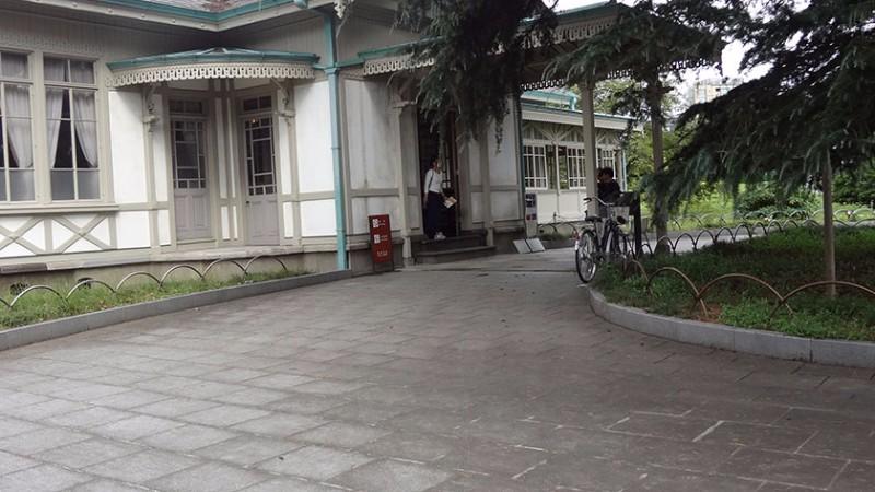 shinjuku-gyoen-rest-house