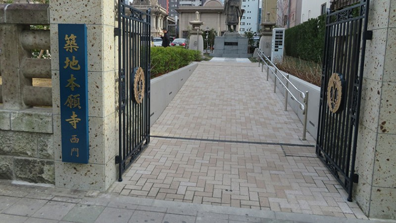 tsukiji-honganji-west-entrance