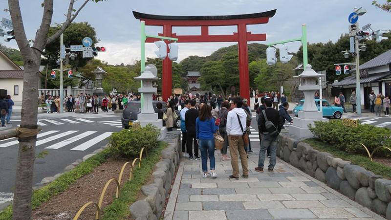tsurugaoka-hachimangu-approach