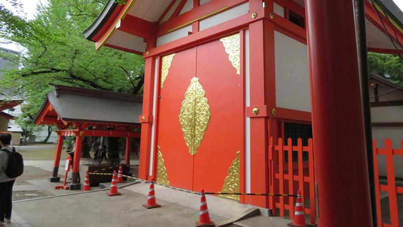 hanazono-shrine-building