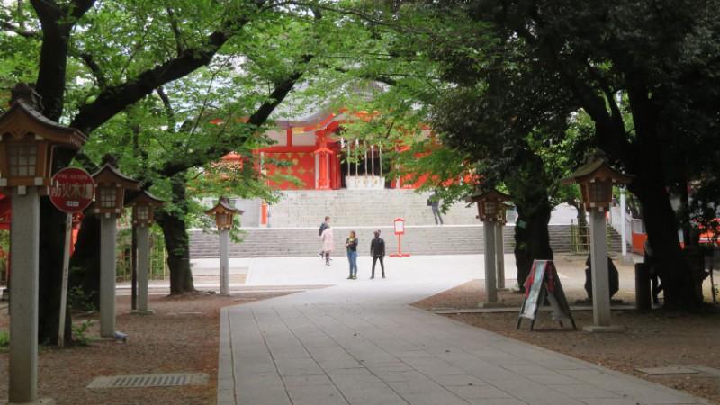 hanazono-shrine-grounds