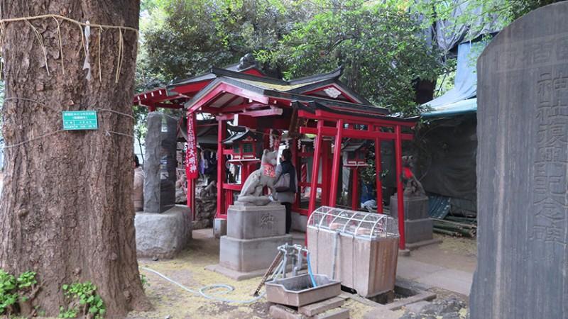 hanazono-shrine-inari-close-up