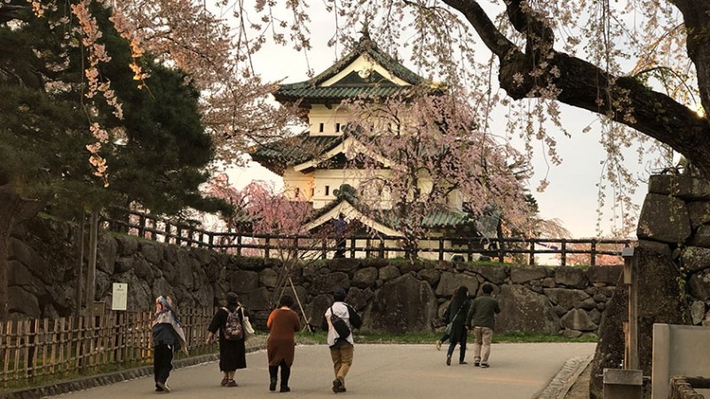 hirosaki-castle-castle-path