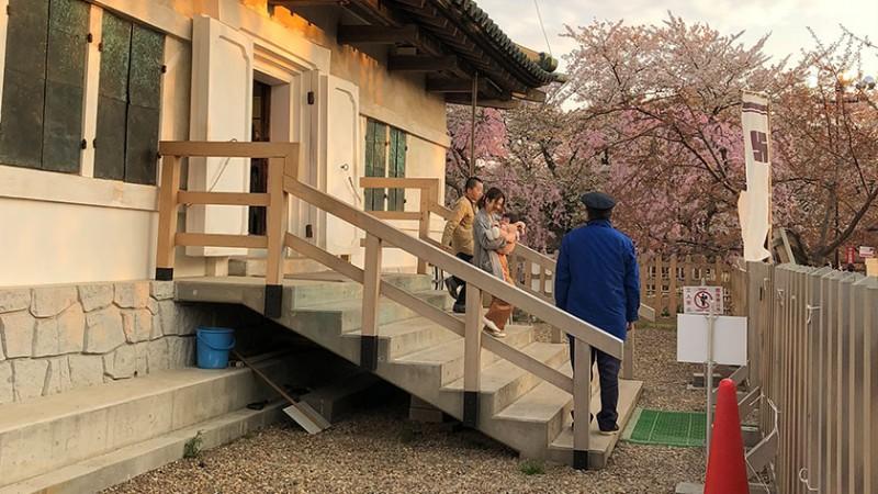 hirosaki-castle-steps-into-keep