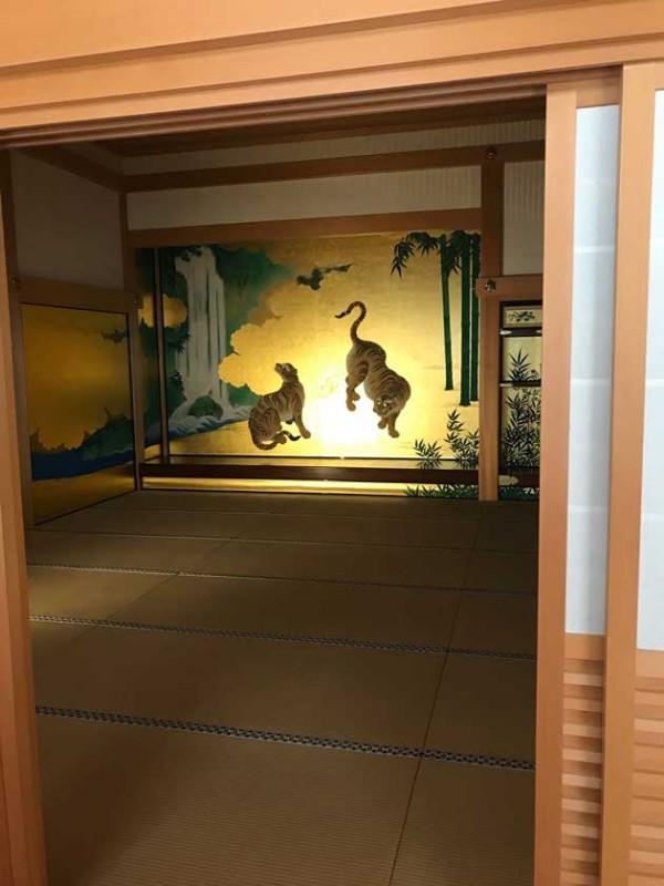 nagoya-castle-inside-honmaru-palace