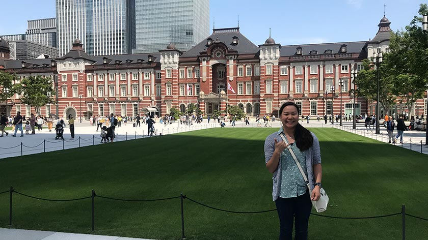 Jasmine in front of Tokyo Station