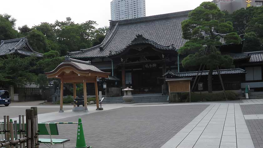 Main hall of Sengakuji Temple
