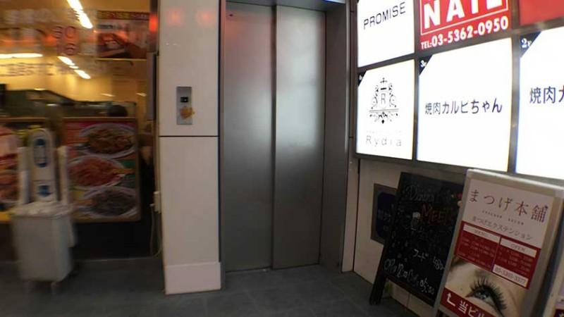 kabukicho-elevator