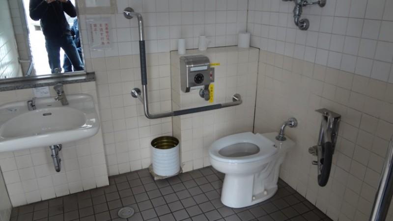 kitanomaru_toilet2-e1423727526100