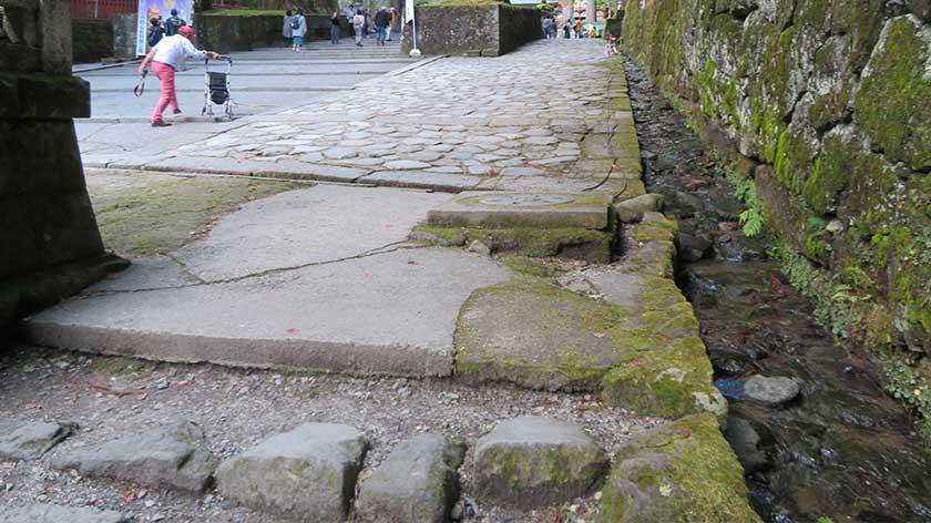 Steps and gutter at Nikko Toshogu Shrine