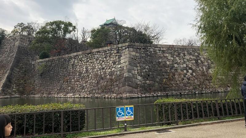 osaka-castle-accessible-path