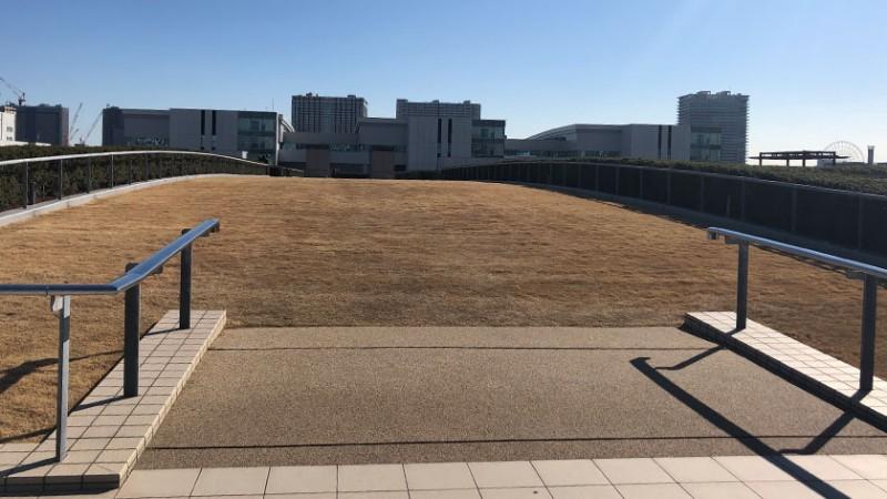 toyosu-market-roof-garden-lawn