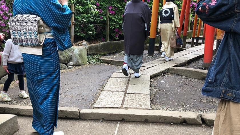 Step to torii path at Nezu Jinja