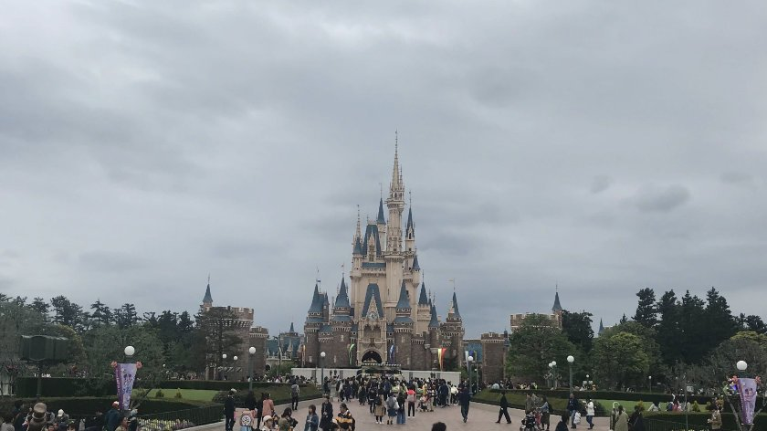 A gloomy picture of Cinderella's castle at Tokyo Disneyland