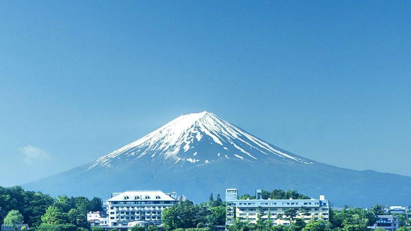 Fuji Lake Hotel in front of Mt Fuji