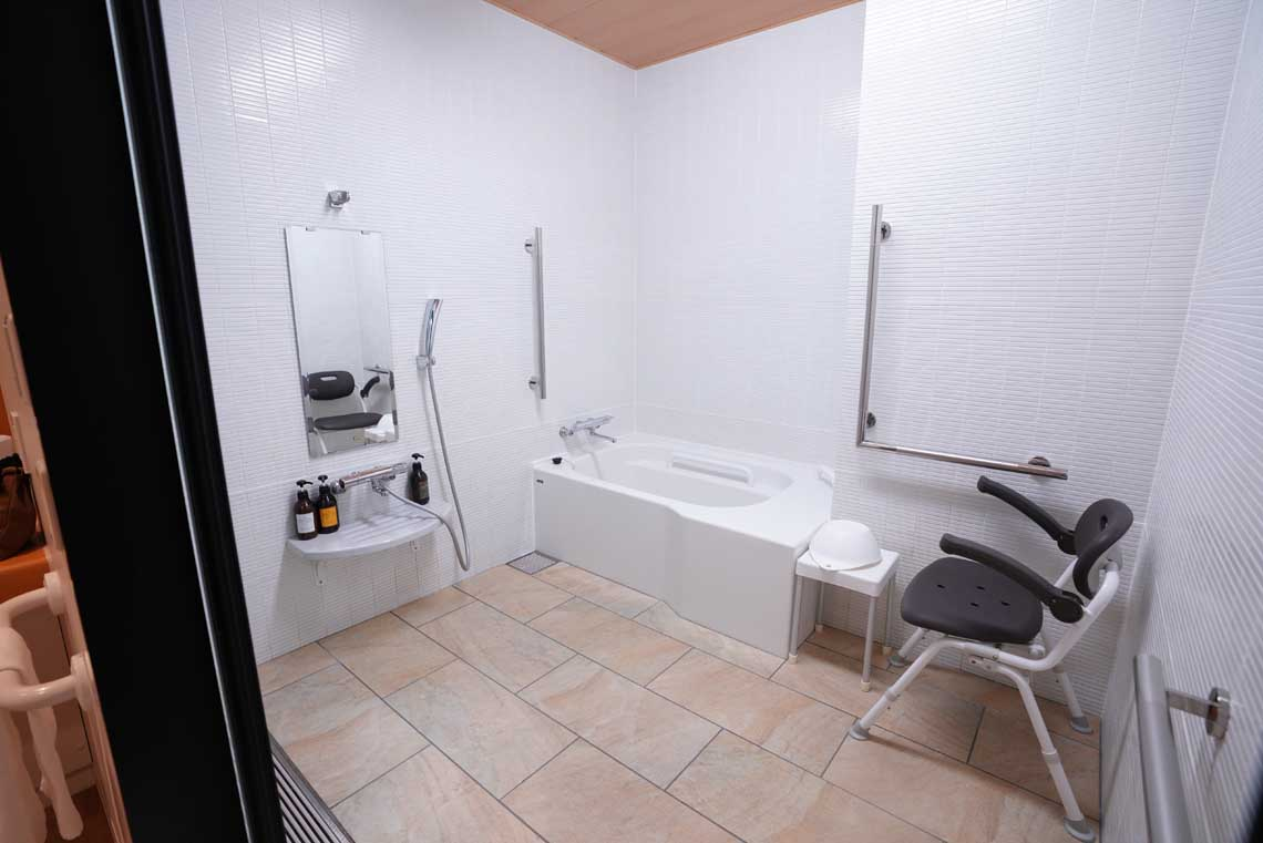 Accessible bathroom at Hotel Sunriver